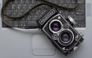 rolleiflex camera 9433 300x188 - rolleiflex-camera-9433